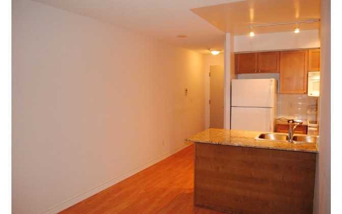 761 Bay Street,Toronto,1 Bedroom Bedrooms,1 BathroomBathrooms,Condominium,College Park South Tower,Bay Street,1101