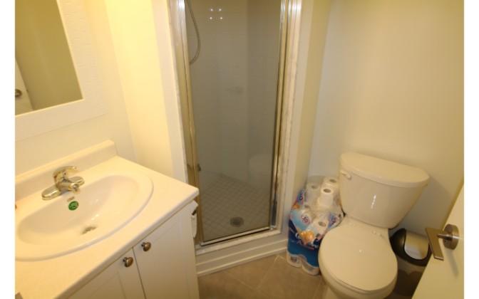 812 Lansdowne Avenue,Toronto,2 Bedrooms Bedrooms,2 BathroomsBathrooms,Condominium,Upside Down Condos,Lansdowne Avenue,1102