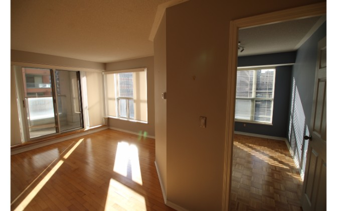 909 Bay Street,Toronto,2 Bedrooms Bedrooms,2 BathroomsBathrooms,Condominium,The Allegro Condos,Bay Street,3,1104