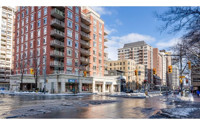 1 Deer Park Crescent,Toronto,1 Bedroom Bedrooms,1 BathroomBathrooms,Condominium,Deer Park Residences,Deer Park Crescent,1107