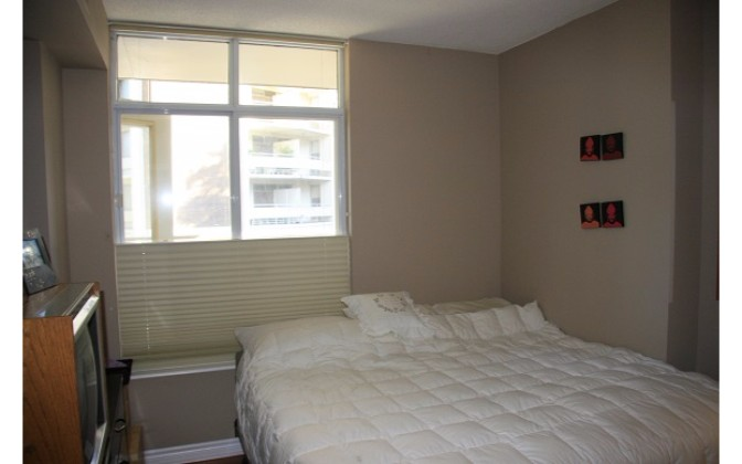 1 Deer Park Crescent,Toronto,1 Bedroom Bedrooms,1 BathroomBathrooms,Condominium,Deer Park Residences,Deer Park Crescent,1107