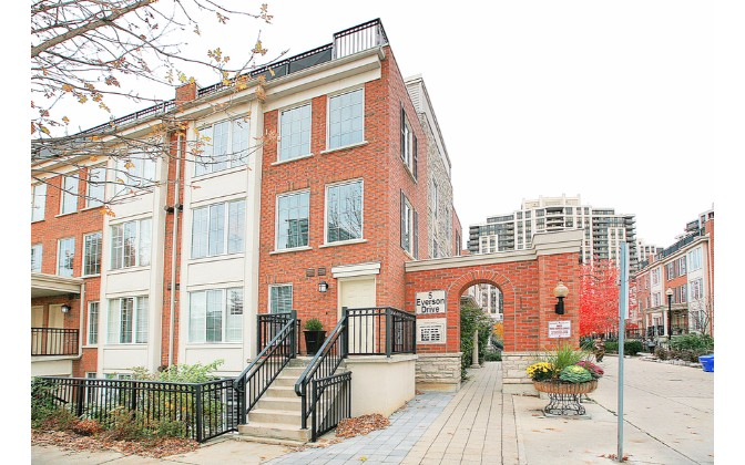 5 Everson Drive,Toronto,1 Bedroom Bedrooms,1 BathroomBathrooms,Townhouse,Everson Drive Townhomes,Everson Drive,1110