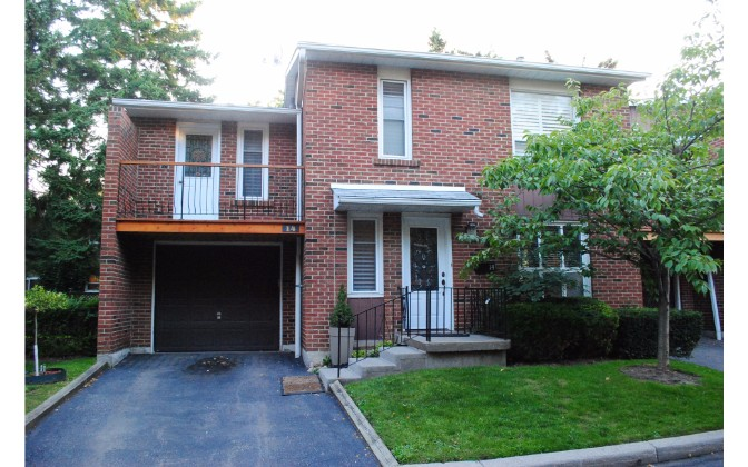14 Blackhawk Way,North York,Blackhawk Way,1118