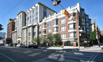 18 Beverley Street,Toronto,2 Bedrooms Bedrooms,2 BathroomsBathrooms,Condominium,Phoebe on Quee,Beverley Street,1120