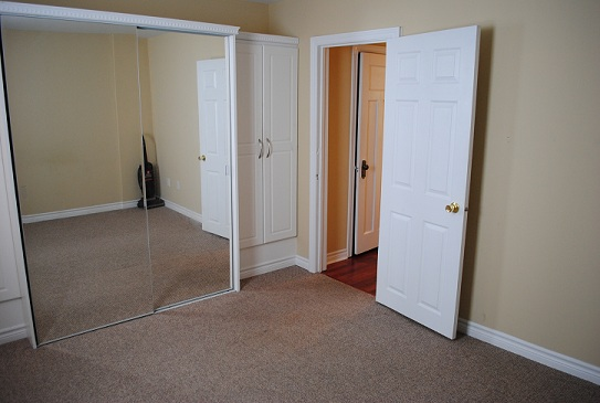 Elward Blvd.,Toronto,3 Bedrooms Bedrooms,2 BathroomsBathrooms,Townhouse,Elward Blvd.,1123