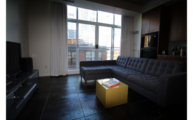 23 Brant Street,Toronto,1 Bedroom Bedrooms,1 BathroomBathrooms,Condominium,Quad Lofts,Brant Street,10,1125