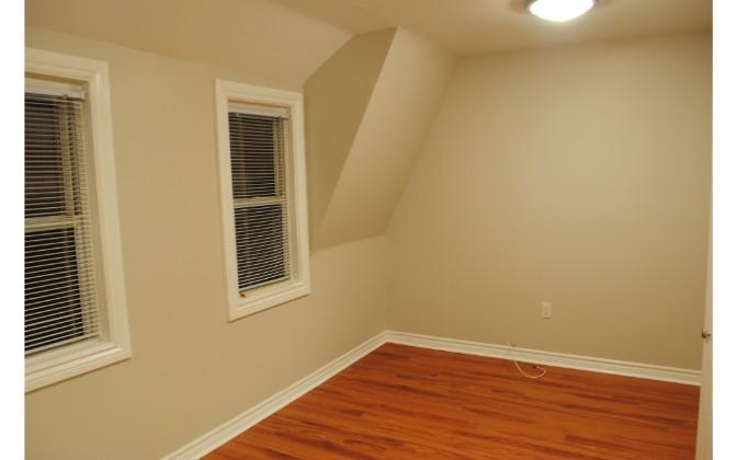 Glenora Avenue,Toronto,2 Bedrooms Bedrooms,1 BathroomBathrooms,House,Glenora Avenue,1130