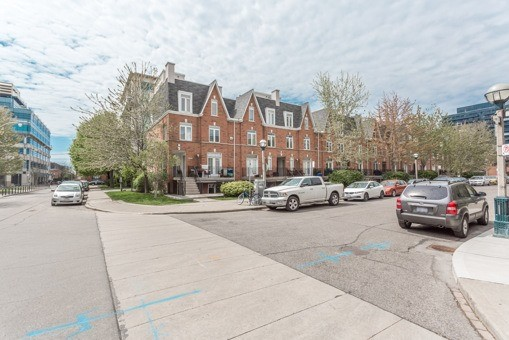 3 Shank Street,Toronto,3 Bedrooms Bedrooms,1 BathroomBathrooms,Townhouse,Shank Street,1011
