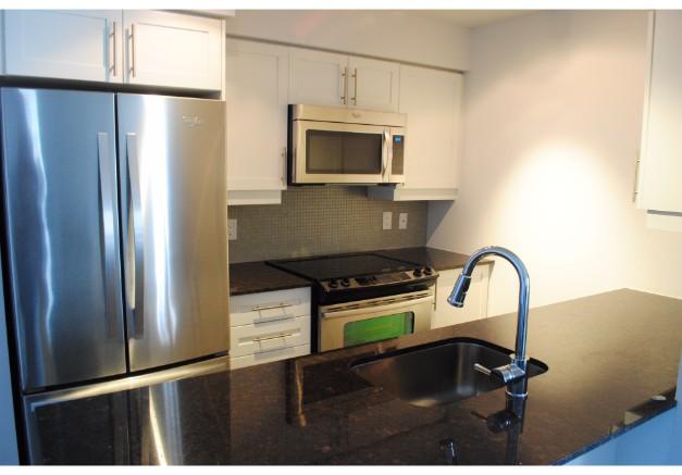 35 Bastion Street,Toronto,2 Bedrooms Bedrooms,2 BathroomsBathrooms,Condominium,York Harbour Club,Bastion Street,11,1132