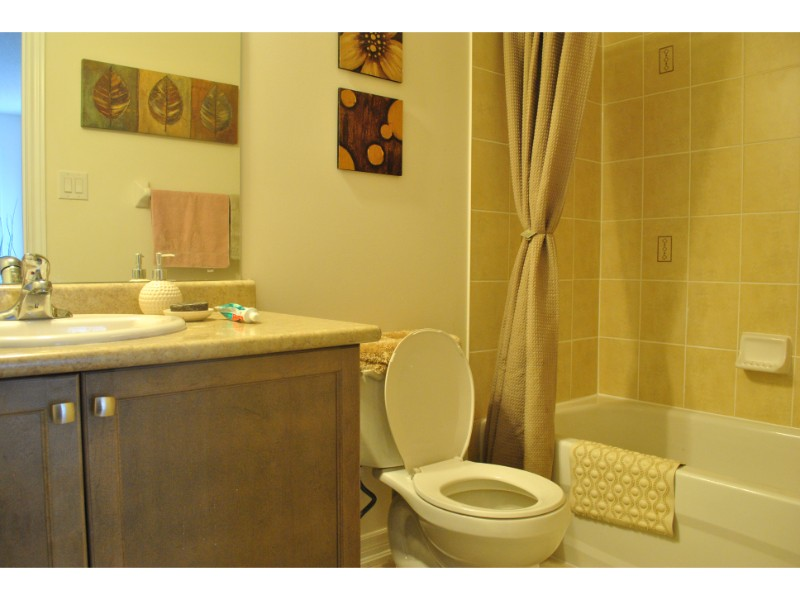 Antibes Drive,Brampton,3 Bedrooms Bedrooms,2 BathroomsBathrooms,House,Antibes Drive,1137