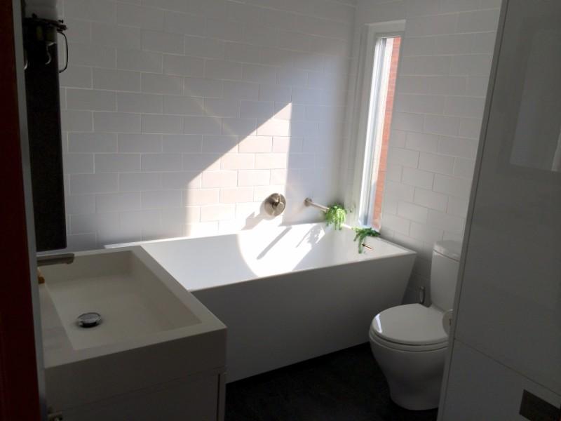 Shannon Street,Toronto,3 Bedrooms Bedrooms,1 BathroomBathrooms,Apartment,Shannon Street,1141