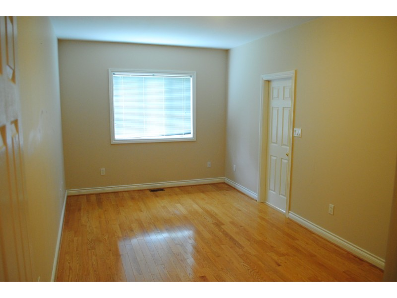 Puccini Drive,Richmond Hill,3 Bedrooms Bedrooms,2 BathroomsBathrooms,House,Puccini Drive,1144