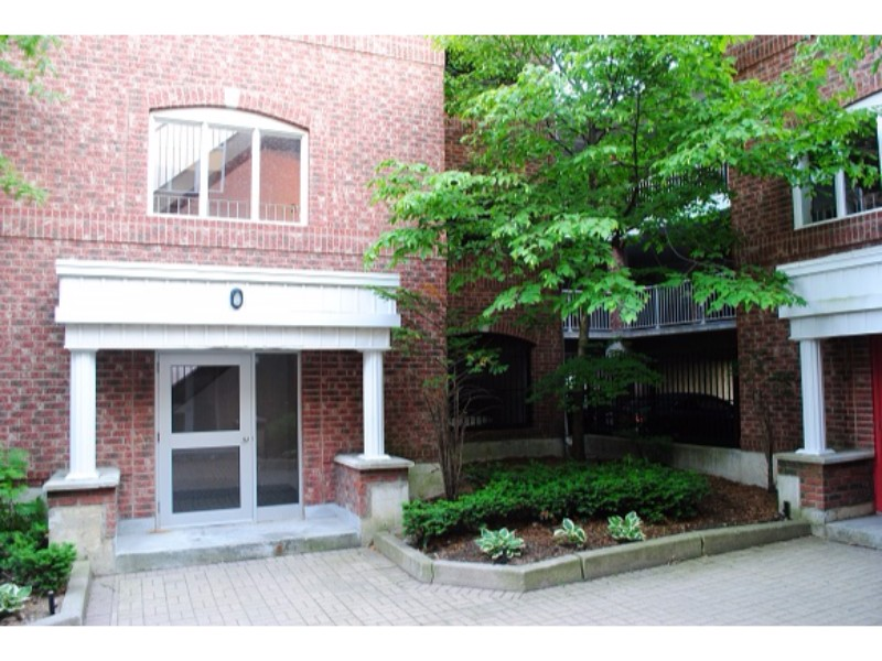 75 Bristol Street East,Mississauga,2 Bedrooms Bedrooms,1 BathroomBathrooms,Apartment,Bristol Street East ,1146