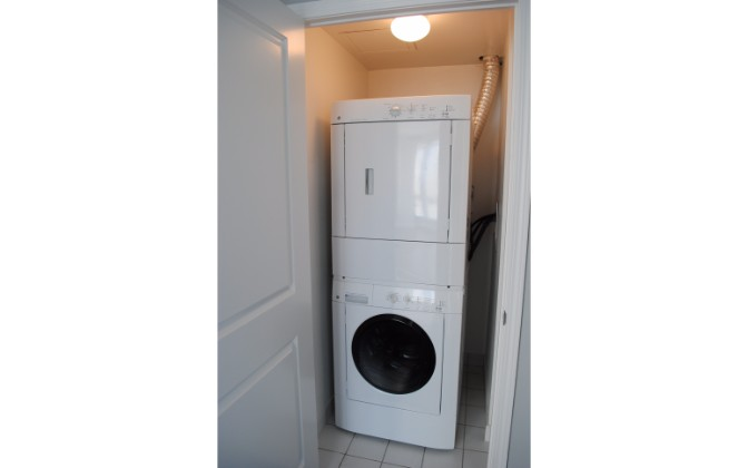 1900 Lakeshore Blvd. West,Toronto,2 Bedrooms Bedrooms,3 BathroomsBathrooms,Condominium,Park Lake Residences,Lakeshore Blvd. West,8,1161