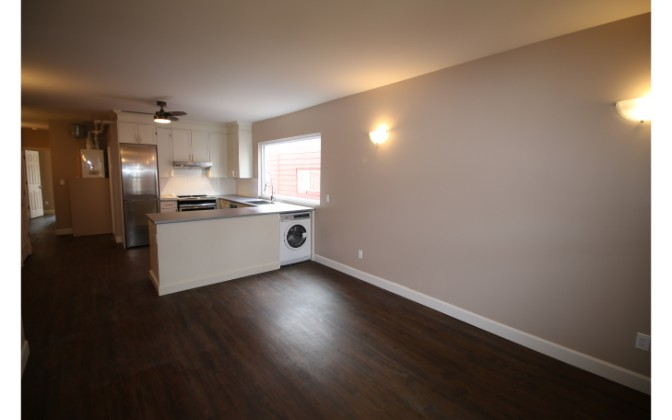 Greenwood Avenue,Toronto,2 Bedrooms Bedrooms,1 BathroomBathrooms,Apartment,Greenwood Avenue,1,1174