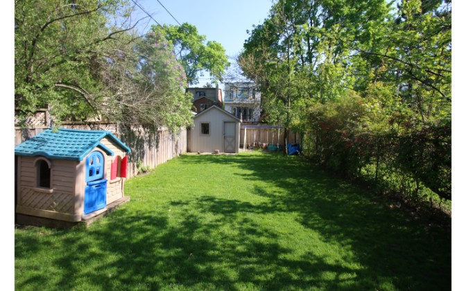 Stibbard Avenue,Toronto,3 Bedrooms Bedrooms,2 BathroomsBathrooms,House,Stibbard Avenue,1178