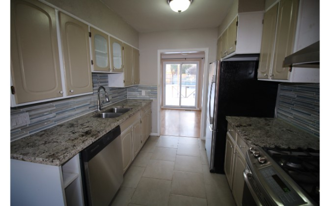16 Overture Road,Toronto,3 Bedrooms Bedrooms,2 BathroomsBathrooms,Townhouse,Overture Road,1018