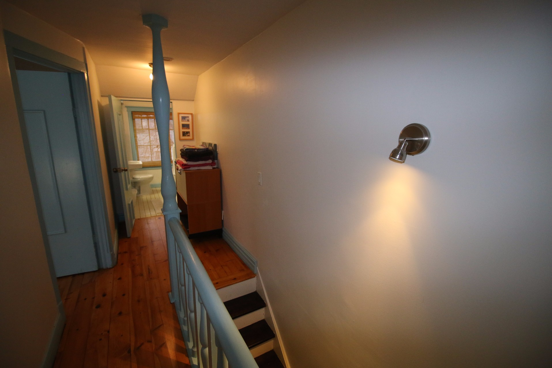 23 Peter Street South,Toronto,2 Bedrooms Bedrooms,1 BathroomBathrooms,House,Peter Street South,1023