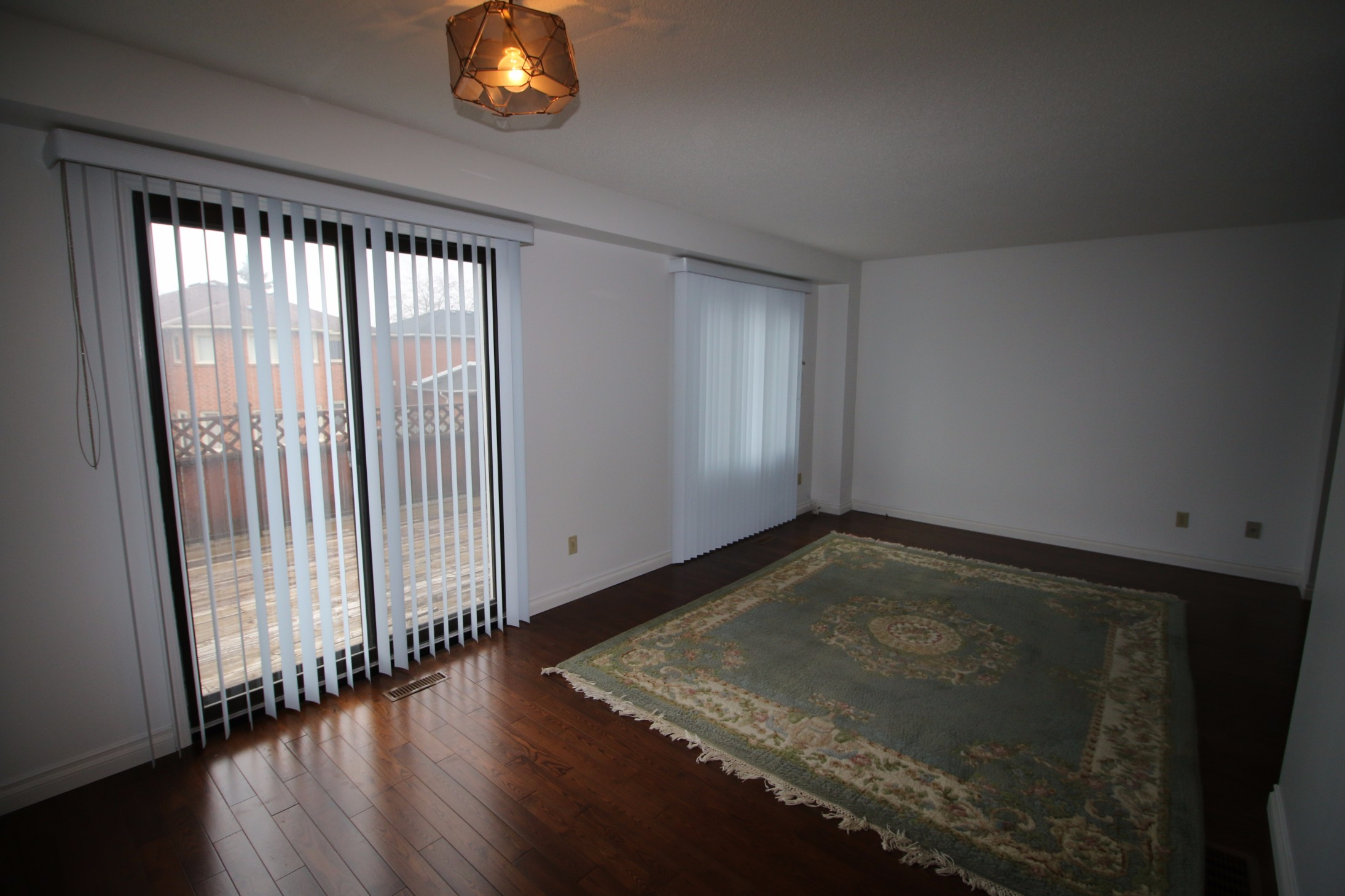 Bingham Drive,Richmond Hill,3 Bedrooms Bedrooms,1 BathroomBathrooms,Apartment,Bingham Drive,1029