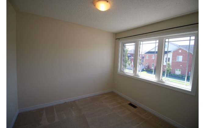 Sequin Drive,Richmond Hill,3 Bedrooms Bedrooms,2 BathroomsBathrooms,House,Sequin Drive,1053