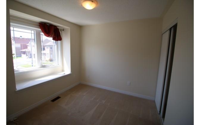 Sequin Drive,Richmond Hill,3 Bedrooms Bedrooms,2 BathroomsBathrooms,House,Sequin Drive,1053