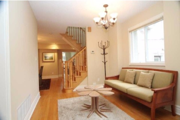 Lavinia Avenue,Toronto,3 Bedrooms Bedrooms,3 BathroomsBathrooms,House,Lavinia Avenue,1061