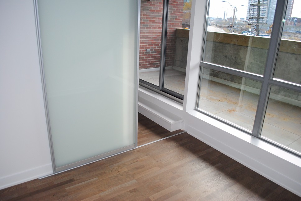 Spacious Balcony Overlooking Queen Street West