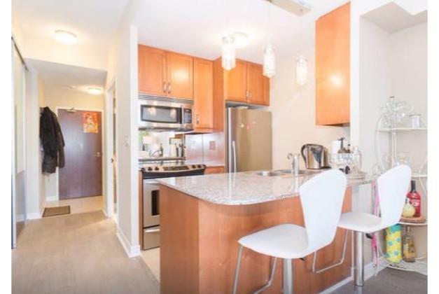 100 Hayden Street,Toronto,2 Bedrooms Bedrooms,1 BathroomBathrooms,Condominium,Bloor Walk Condos,Hayden Street,1066