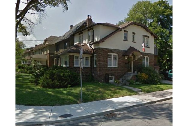 Colin Avenue,Toronto,4 Bedrooms Bedrooms,2 BathroomsBathrooms,House,Colin Avenue,1068
