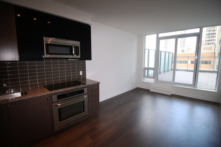 89 Dunfield Avenue,Toronto,1 Bedroom Bedrooms,1 BathroomBathrooms,Condominium,The Madison,Dunfield Avenue,7,1005