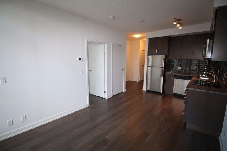 89 Dunfield Avenue,Toronto,1 Bedroom Bedrooms,1 BathroomBathrooms,Condominium,The Madison,Dunfield Avenue,7,1005