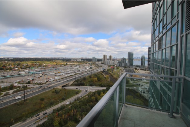 165 Legion Road North Toronto,1 Bedroom Bedrooms,1 BathroomBathrooms,Condominium,California Condos,Legion Road North,30,1076