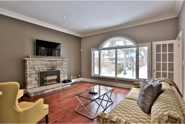 Lord Seaton Road,Toronto,4 Bedrooms Bedrooms,5 BathroomsBathrooms,House,Lord Seaton Road,1082