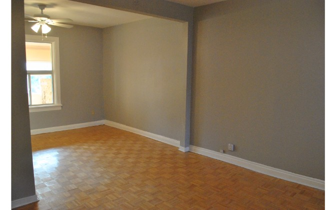 Pape Street,Toronto,3 Bedrooms Bedrooms,3 BathroomsBathrooms,House,Pape Street,1093